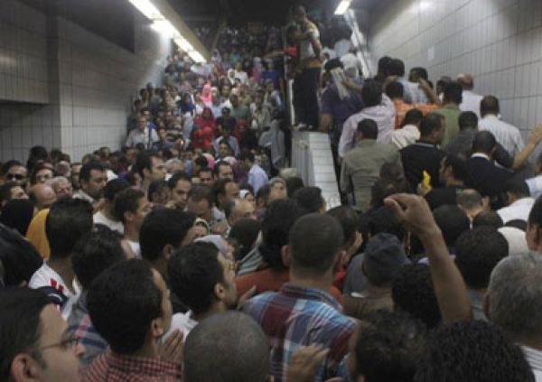 zahma-fe-metro-alanfaq-masr-arshy-pic-2309.jpg